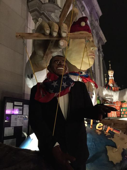 The level of political commentary was high and quite cutting at last night's Lucerne Fasnacht. Here is Obama being puppetteered by Putin. Hmmmmm....... https://shanainch.wordpress.com/tag/luzerner-fasnacht/